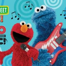Seasame Street Live: Elmo Makes Music